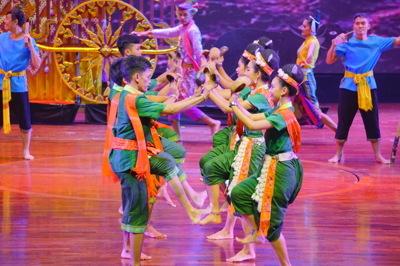 การแสดงศิลปวัฒนธรรมไทยร่วมสมัย