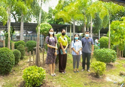 สวนนงนุชพัทยา จัดสวนหย่อม มอบให้โรงเรียนสัตหีบวิทยาคม