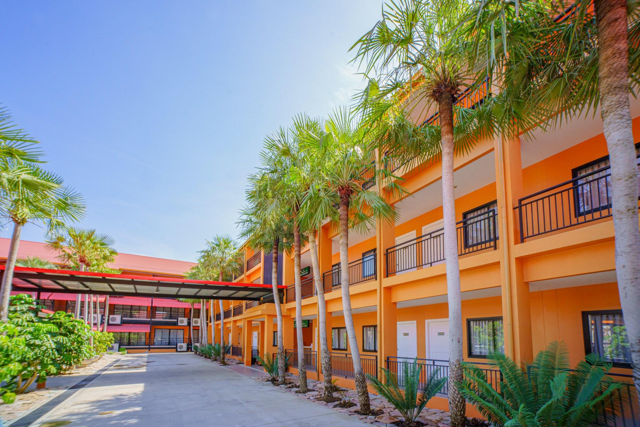Nongnooch tradition resort Building A